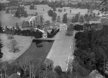 Hall Barn Beaconsfield 1000334 Historic England