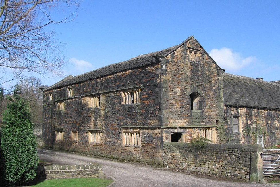 Double aisled barn to north west of Kirklees Priory Gatehouse, Kirklees Park, Brighouse - Calderdale