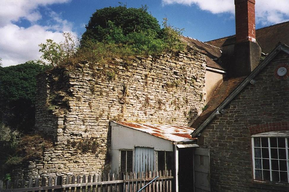 Remains of Lea Castle at Lower Lea Farm, Lea, Lydham - Shropshire (UA)