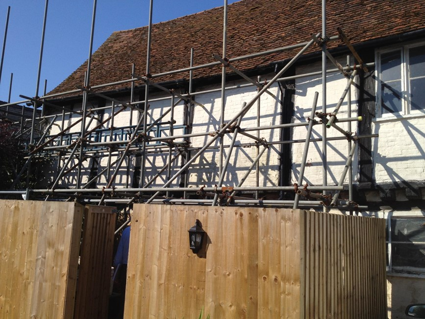 """Lodging Range/ """"courthouse"""" rear of the George Public House, High Street, Great Missenden - Chiltern"""
