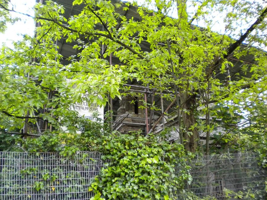 East Lodge to Nunhead Cemetery, Linden Grove SE15 - Southwark