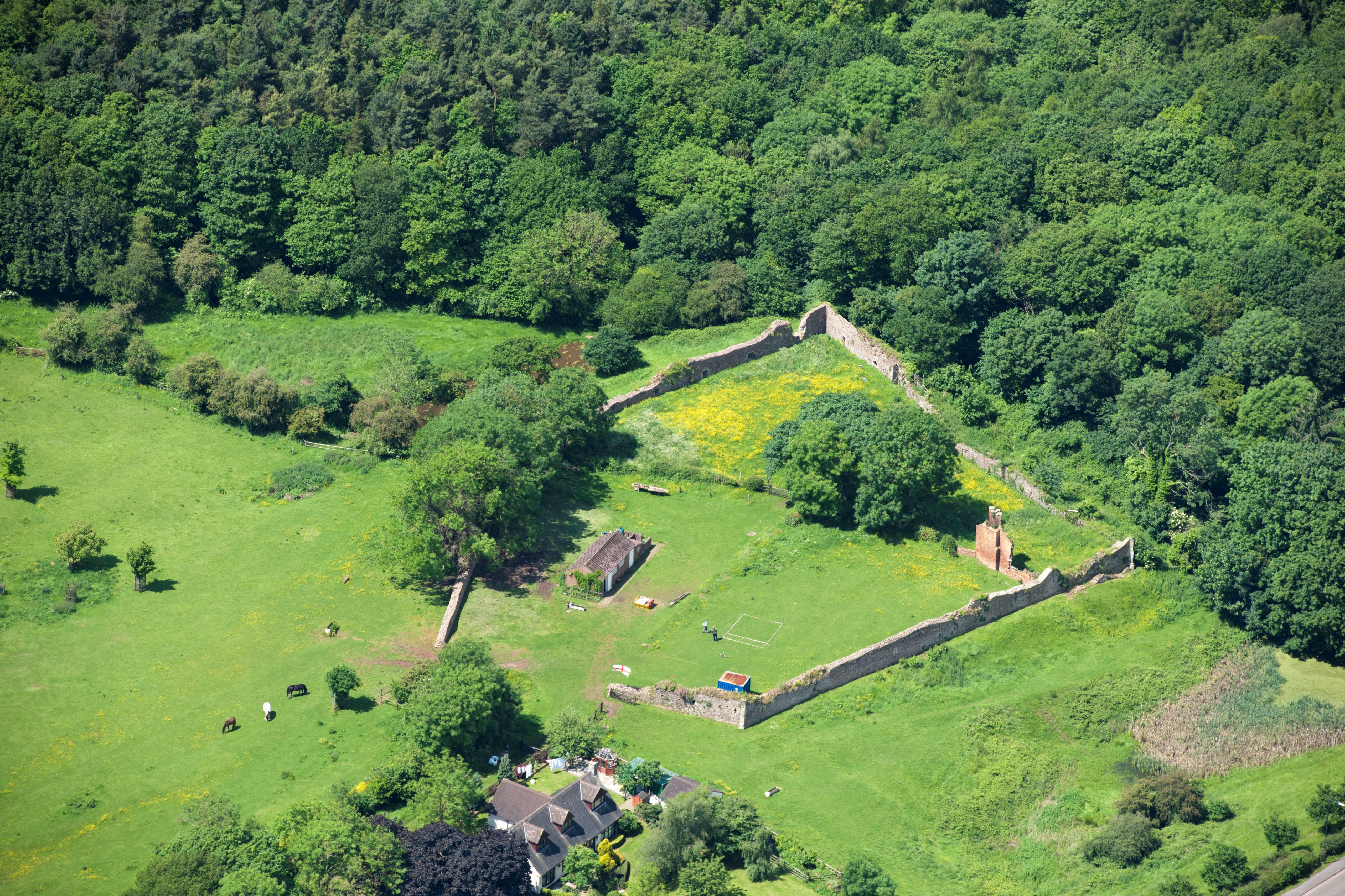 Hartshill Castle, Castle Road, Hartshill