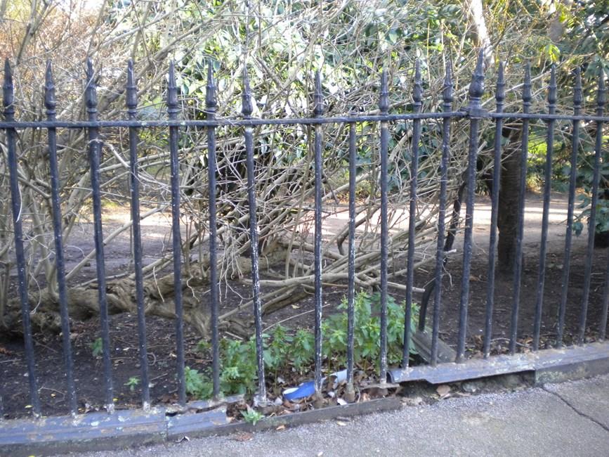 Railings, Thornhill Square N1 - Islington