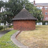 Air Raid Shelter, St Leonard's Court, St Leonard's Road, East Sheen SW14 - Richmond upon Thames