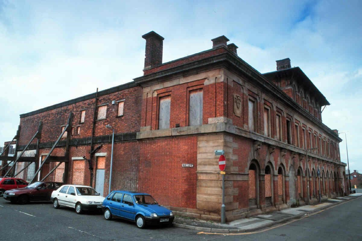 Former public baths, Collier Street
