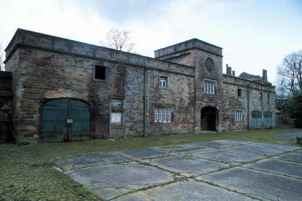 Barn and stable to east of Winstanley Hall and two attached gateways, Pemberton Road, Winstanley - Wigan