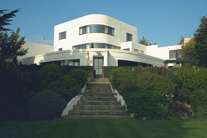 Built in 1936 this house is derived from the Sunspan design, first exhibited at the 1934 Ideal Home Exhibition. The design was intended for builders as an alternative to the usual traditional design of house.