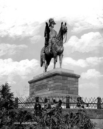duke of wellington statue round hill aldershot hampshire