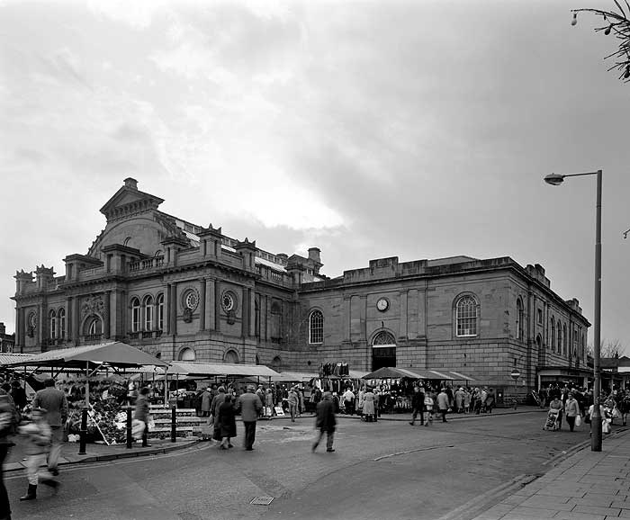 The Corn Exchange in Doncaster was built in 1870 and combines Victorian classical architecture with a dome reminiscent of that on the Crystal Palace, built 20 years earlier for the Great Exhibition (1851). The Corn Exchange is now used as a market hall.