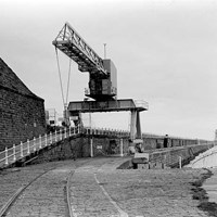 Travelling Crane, North Pier, Tynemouth, Tyne and Wear