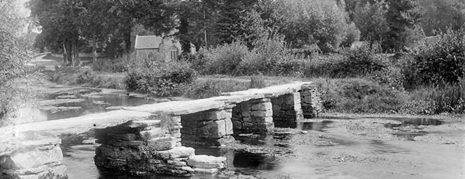 This medieval stone bridge across the River Leach links the villages of Eastleach Martin and Eastleach Turville. The bridge is narrow as it was built for pedestrians and for horses carrying people or packs of goods.