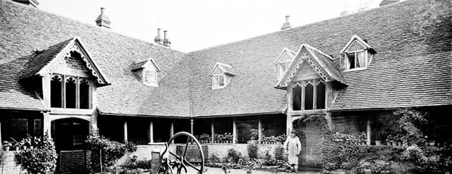 During Tudor and Stuart times almshouses were generally built and maintained by Craft Guilds or wealthy individuals The almhouse was founded in 1437 by the Earl and Countess of Suffolk to house 13 poor men under the care of two chaplains.