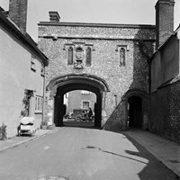 Canon Gate, Chichester, West Sussex
