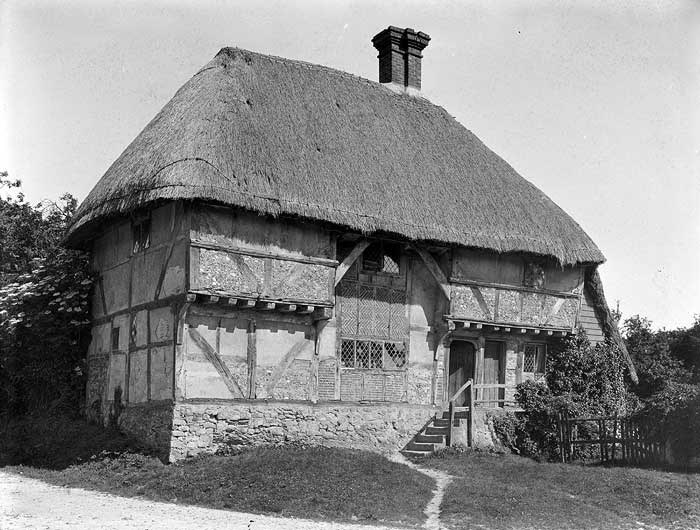 The Yeoman's House dates is a 15th-century thatched and timber-framed cottage with jettied overhangs.  The central section, which was originally a two-storey hall is filled in with brick in a 'herringbone' pattern. Yeomen owned a small amount of land.