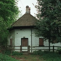 The Round House, Leighton Road, Woburn, Bedfordshire