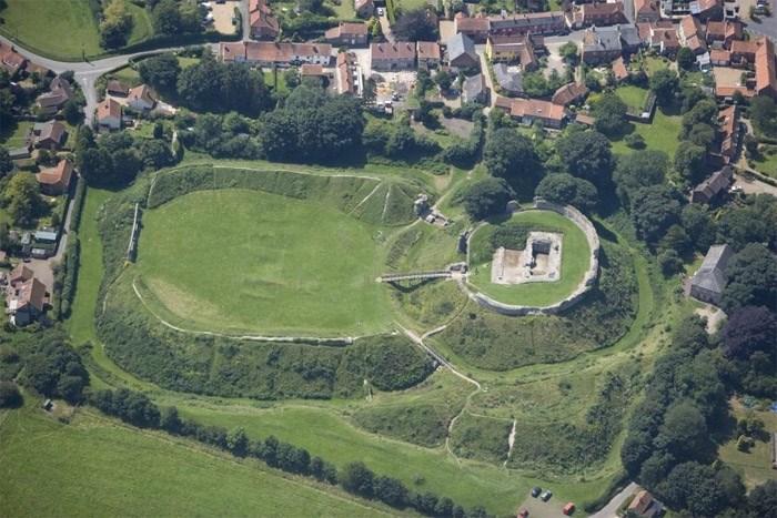 Castle Acre Castle Castle Acre Norfolk Educational Images