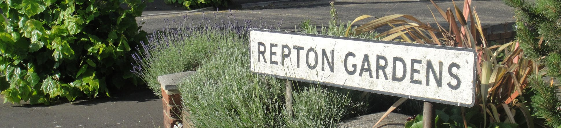 Street sign for Repton Gardens