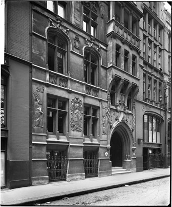 The lower half of the exterior of the Currier's Hall on St Alphage Garden in the City of London in 1917.