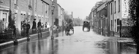 Henry Taunt's 1890 photo of flooding in Oxford