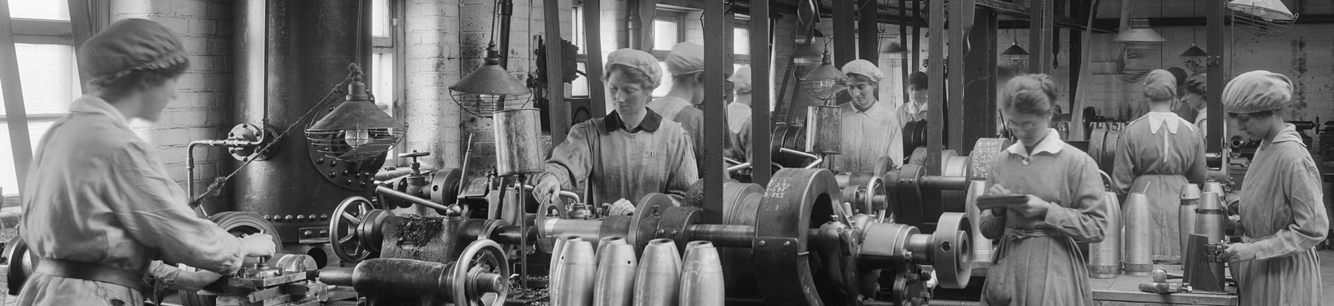 Women working at cunard shell works