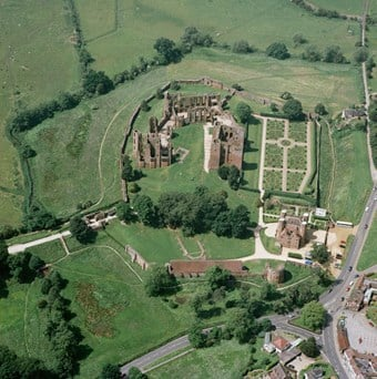 An aerial photograph of Kenilworth taken in 2000