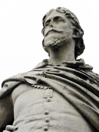 William de-la-Pole was Kingston upon Hull's first Mayor (1332-1335). His statue in Nelson Street is now listed at Grade II
