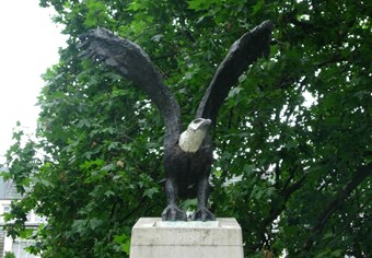 Eagle Squadron Memorial by Elisabeth Frink, 1985. Grosvenor Square Gardens, London. Listed Grade II © Killer Biscuit via Flickr
